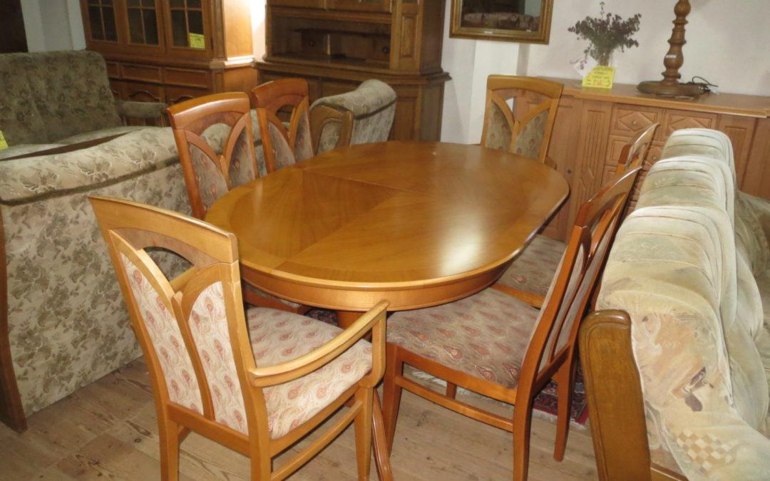 Stůl ovál+6 židlí