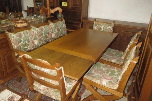 Stůl rozkl.+lavice+4 židle