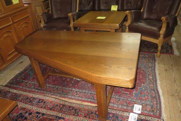 Konferenční stolek křívý