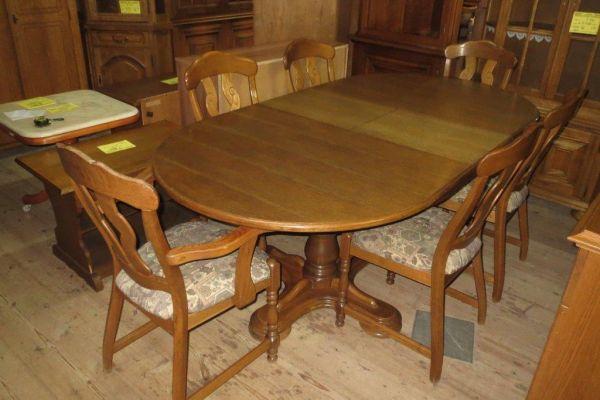 Stůl rozk. +4 židle a 2 křesílka