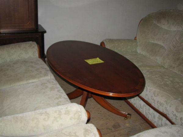 Konferenční stolek ovál,pův. cena 4500 Kč