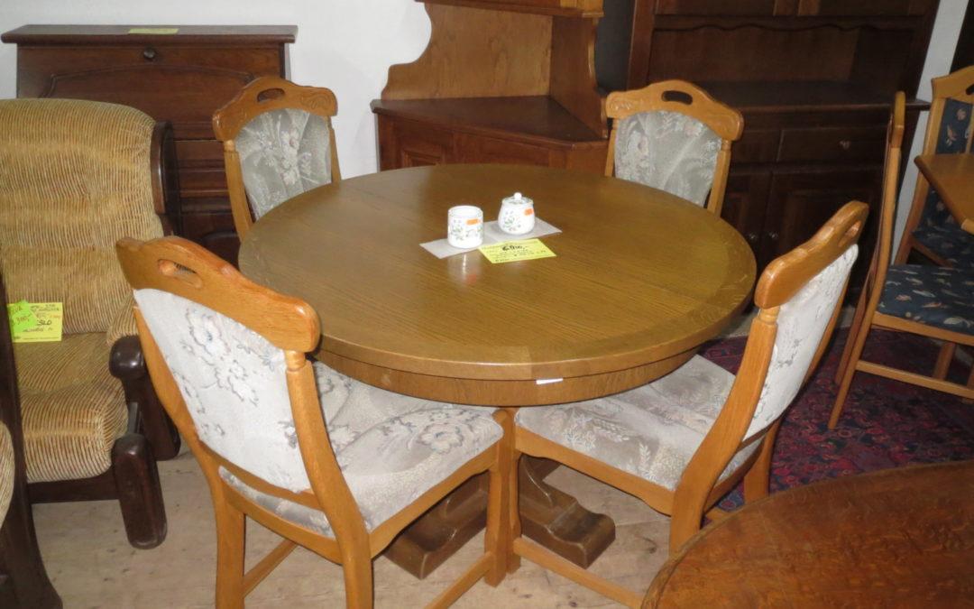 Stůl +4 židle, poškozený rozklad