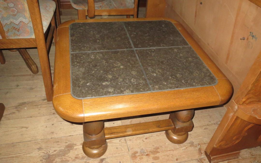 Konferenční stolek kámen