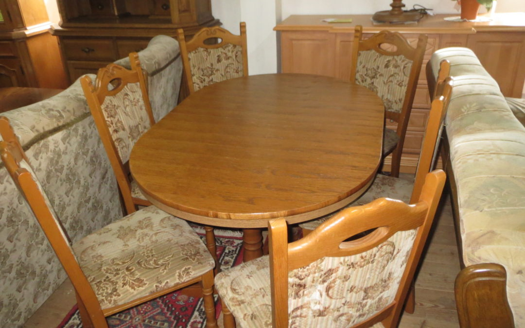 Stůl +6 židlí