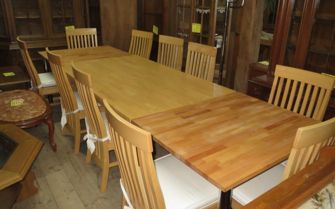 Stůl+10 židlí