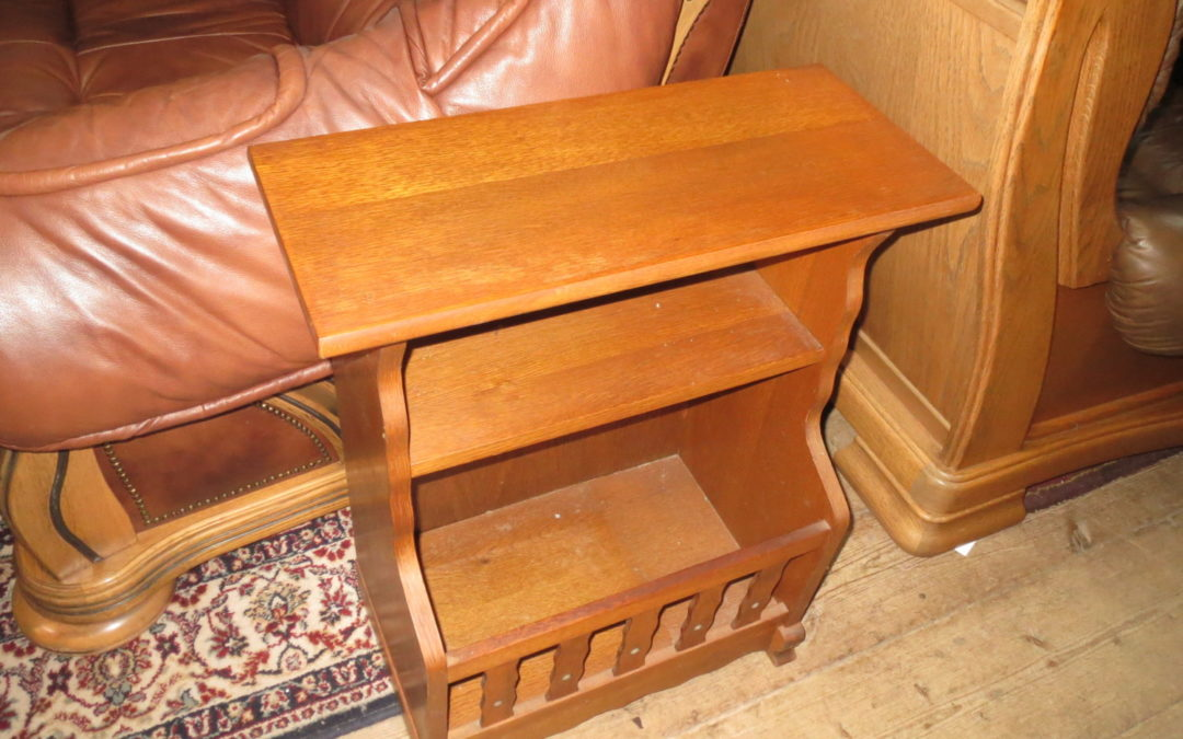 Novinový stolek